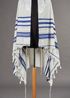 A zsidók által használt imaköpeny, a tálit
